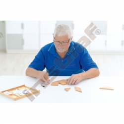 Dřevěný tangram